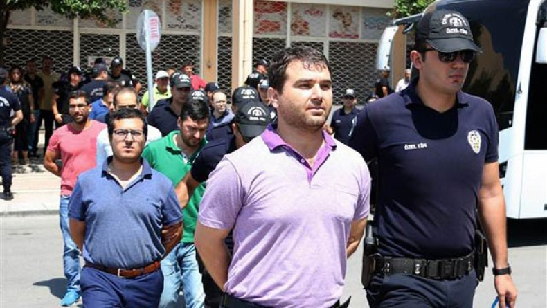 (4)arrested_lawyers_mersin2